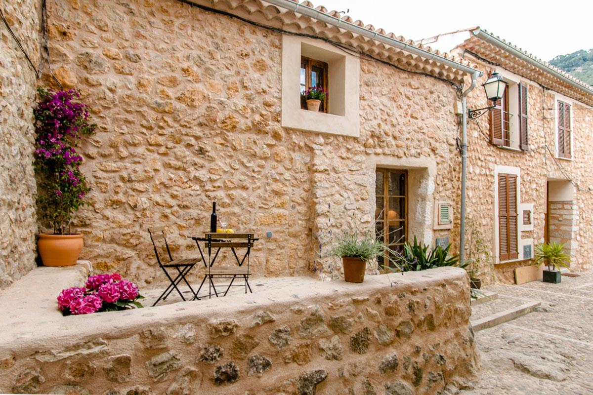 Casa con fachada de piedra en alar - Fachadas de piedra rustica ...