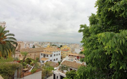 Casa para reformar en El Terreno Palma con vista mar