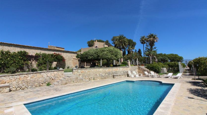 Finca antigua en Mallorca con piscina
