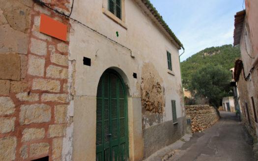 Reforma casa de pueblo con gran solar en Alaró, Mallorca
