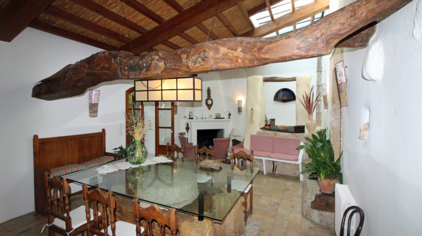 Alquiler casa de pueblo con piscina y jardín en Jornets Mallorca