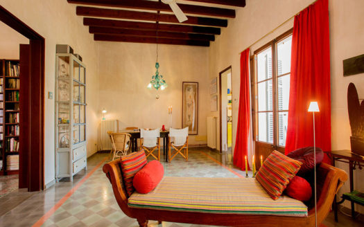 Casa de pueblo renovada en Campos Mallorca