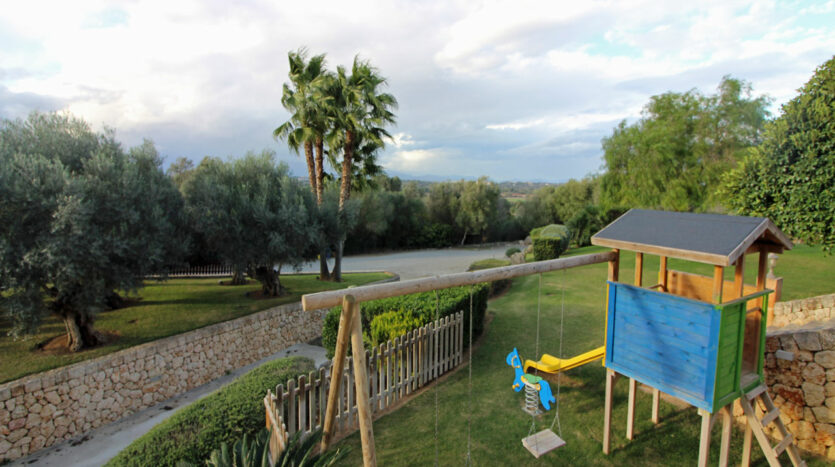 Finca with vacation rental license in Ariany Mallorca