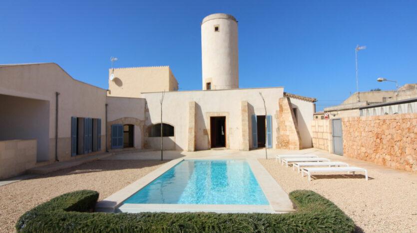 Zur Miete: reformierte antike Mühle mit Pool in Campos Mallorca