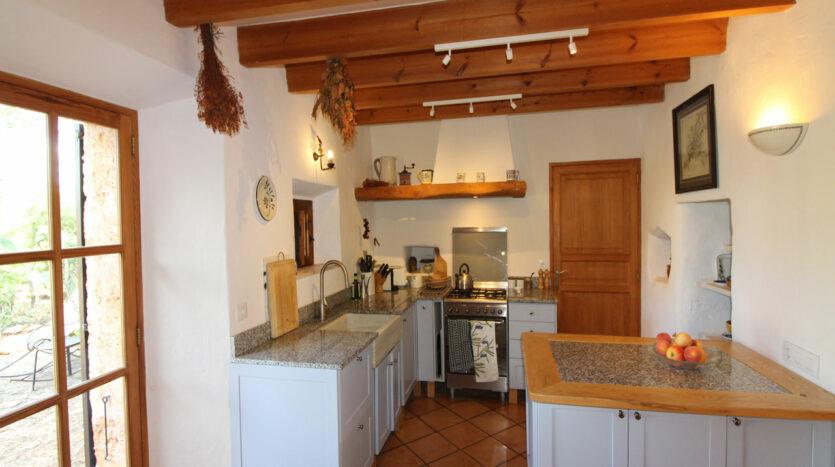 Alglaida Mallorca Finca mit Steinfassade, Gästehaus und Pool
