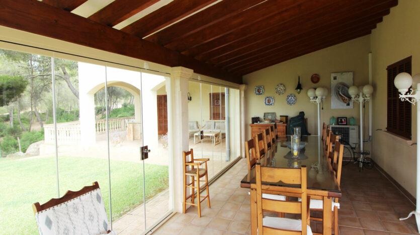Villa en S'Aranjassa con jardín y vistas